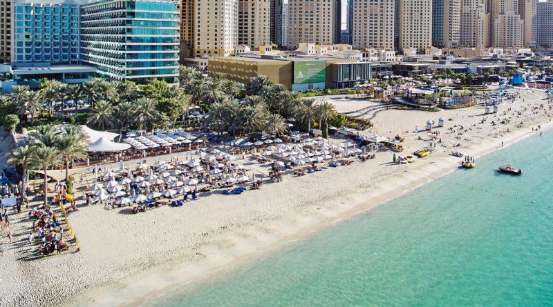 فندق هيلتون دبي جميرا يبدأ نشاط نادي الشاطيء الجديد ويف بريكر بيتش كلوب