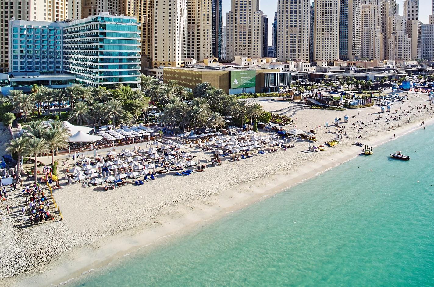 صيف الإمارات.. عروض ومكافآت تثلج قلب المقيمين والزوار