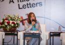 """خلال حفل إطلاقها له في """"الشارقة الدولي للكتاب""""   أحلام مستغانمي: كتبت """"شهياً كفراق"""" لأتخلص من أحمال القلب"""
