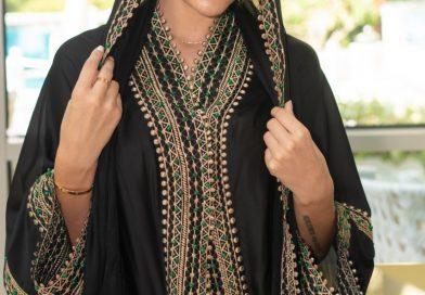 المصممة الاماراتية عائشة الشامسي في أسبوع دبي العالمي للأزياء